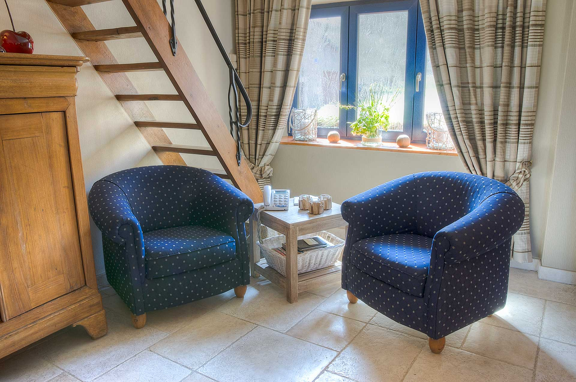 reservation-chambre-hotes-durbuy-chambre-coin-salon